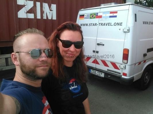 Einfuhr des Vans beim Containtertransport_Wir
